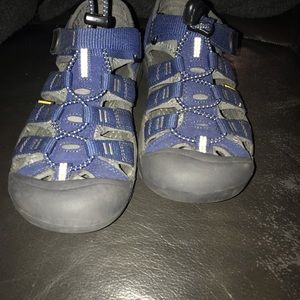 Size 3 Keen blue shoes